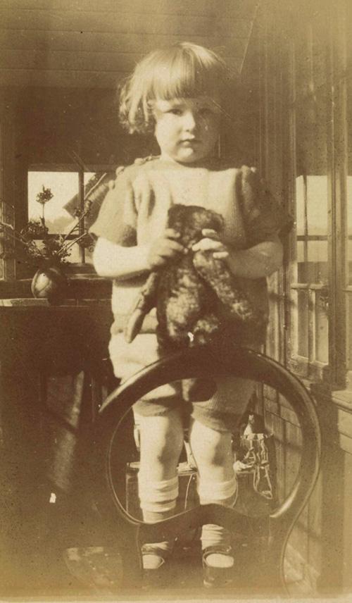 Bilde av André Bjerke som barn
