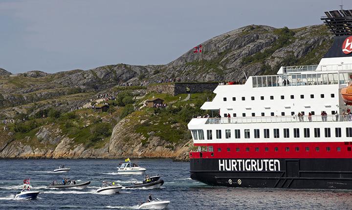 Bilde av Hurtigruten og småbåter