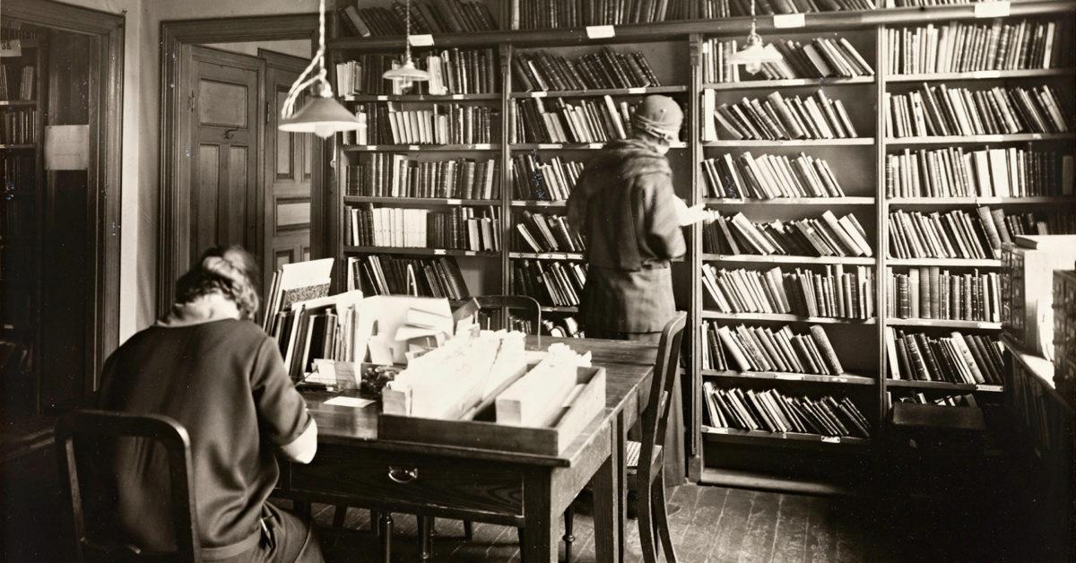 Kan arkiva forandre historia? Frå kvinneliv til historieformidling