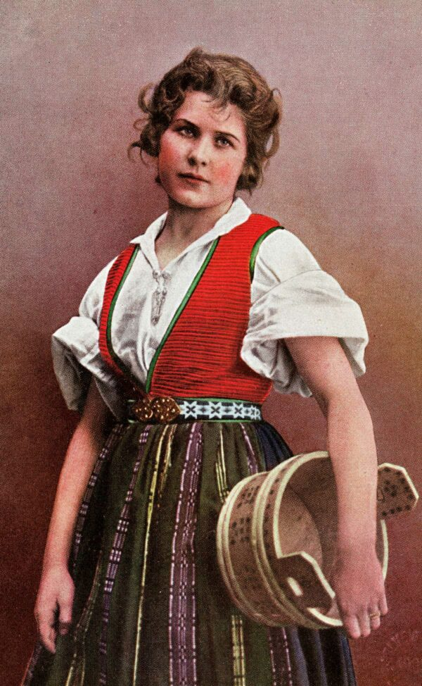 Kvinne i nasjonaldrakt, ca. 1895–1907