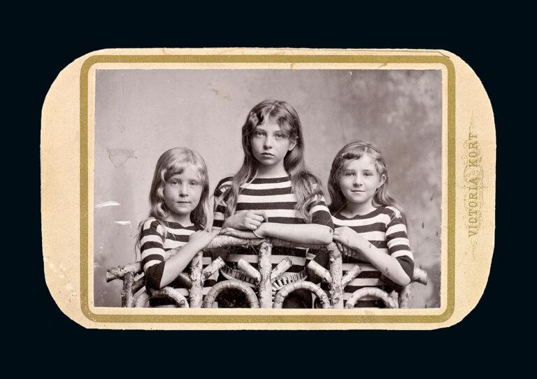Sigrid Undset med søstre, 1894